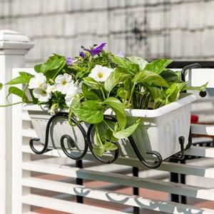 Кованая подставка для балконных ящиков